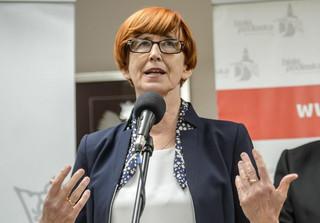 Rafalska: Mniej osób korzysta z pomocy społecznej. To nie zaskoczenie