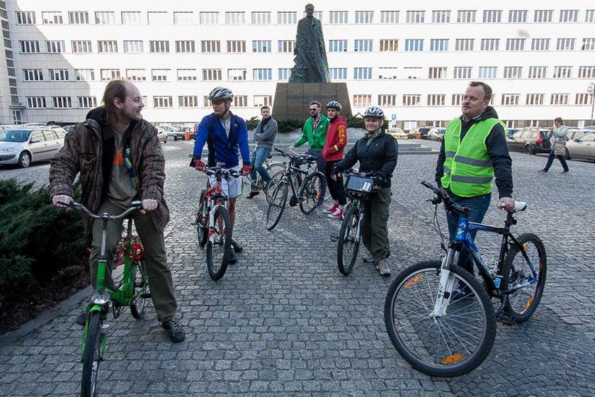 Arkadiusz Chęciński na rowerze