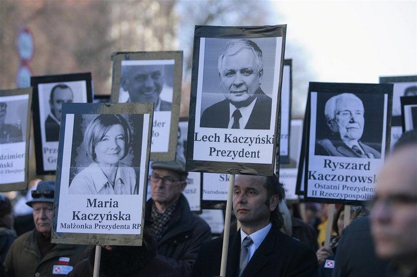 Ostry tekst Mazurka: Więcej nie pójdę pod Pałac!