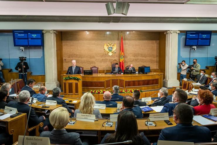 CG nova vlada skupstina 10 foto Anadolu Milos Vujovic