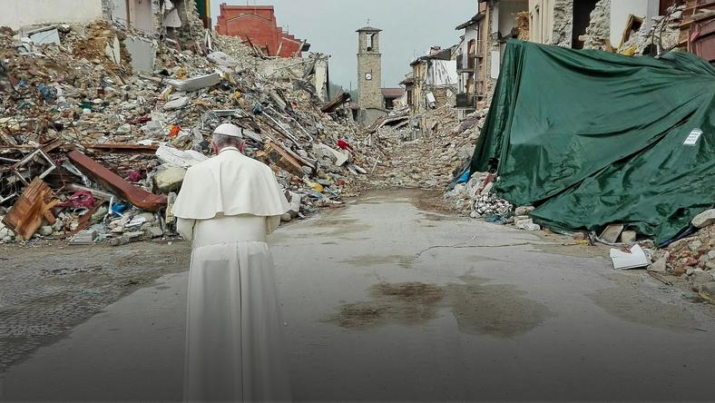 ITALY POPE EARTHQUAKE (Pope Francis visits Amatrice )