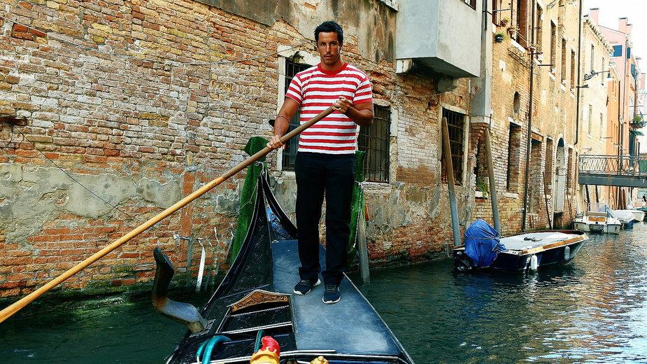 Gondolier w Wenecji, 2021