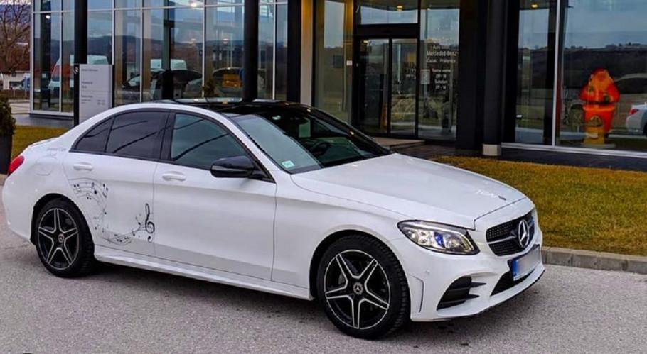 Novi automobil Ane Sević