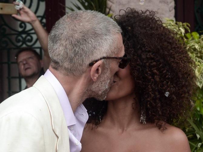BIVŠI MUŽ Monike Beluči oženio se 30 GODINA MLAĐOM: Kad vidite njenu venčanicu ODLEPIĆETE - devojka izgleda prosto SAVRŠENO!