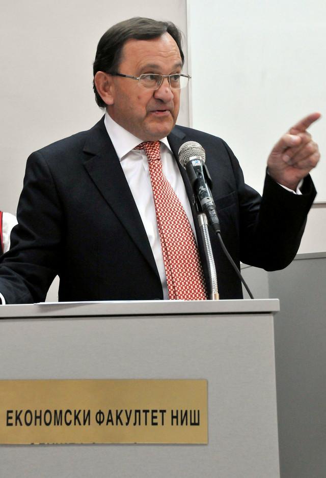 Dekan Zoran Aranđelović