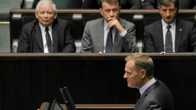 Ofensywa PiS, premier przekłada posiedzenie rządu