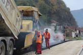 Loznica02 obnavljaju drzavni put asfaltiranje pri kraju foto sajt mzv