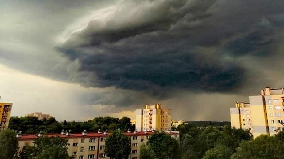 Gdzie jest burza? Niebezpiecznie nad Polską. Ostrzeżenia IMGW