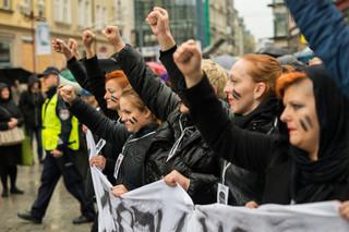 """Sąd: Grzywna za znieważenie symbolu Polski Walczącej podczas 'czarnego protestu"""""""