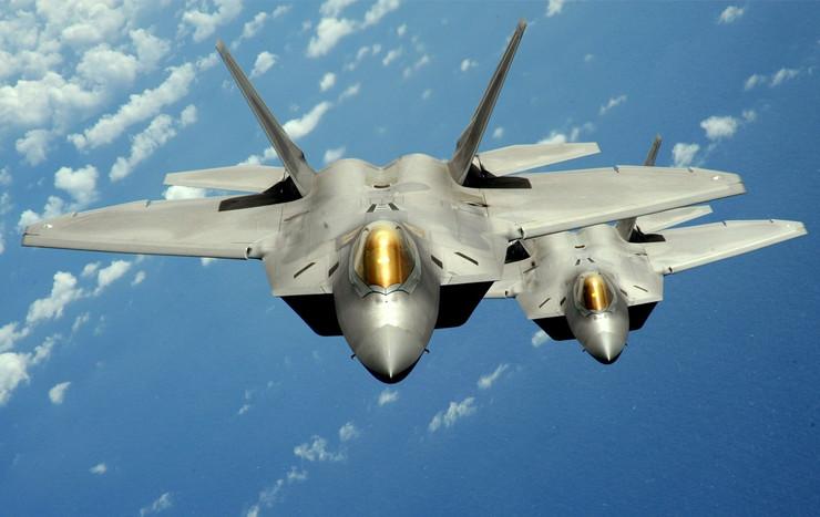 """Letelica F 22 raptor urađena je u stelt tehnologiji koja ga """"čuva"""" od radara"""