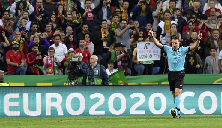 Fudbalska reprezentacija Portugala, Fudbalska reprezentacija Švajcarske