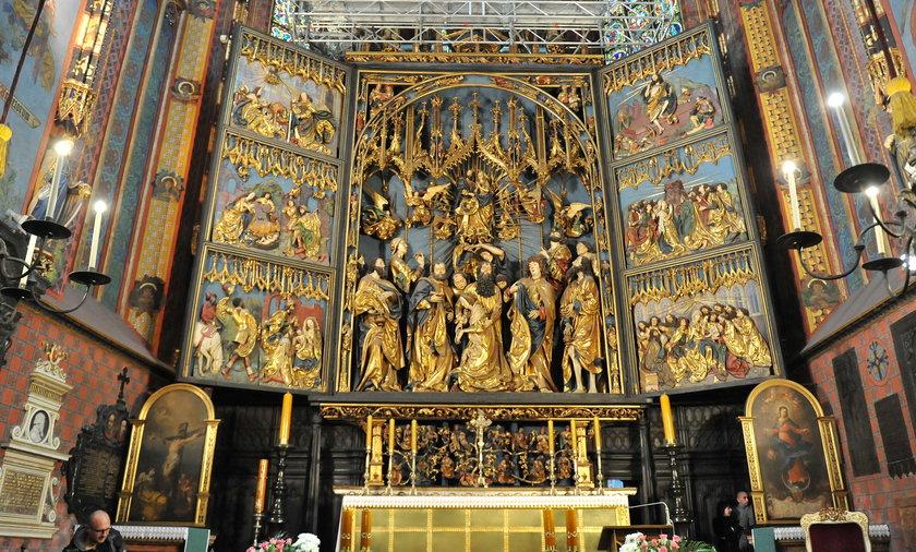Konserwacja ołtarza Wita Stwosza