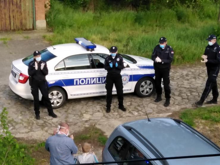 Poklon policije malom Đorđu