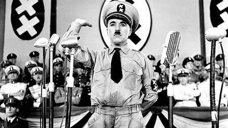Charlie Chaplin jako Adenoid Hynkel
