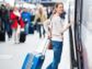 Czy przejazd na delegację wlicza się do godzin pracy?