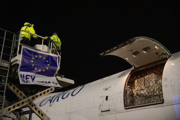 Pomoć je stigla iz EU, Kine...