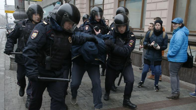 Oficjalnie moskiewska policja poinformowała dzisiaj o zatrzymaniu 29 osób
