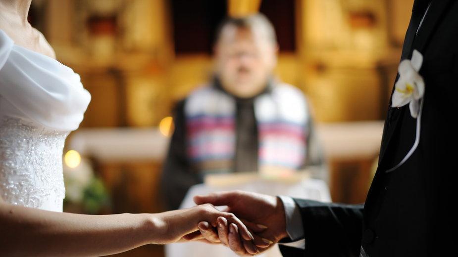 Narzeczeni kupują kursy przedmałżeńskie