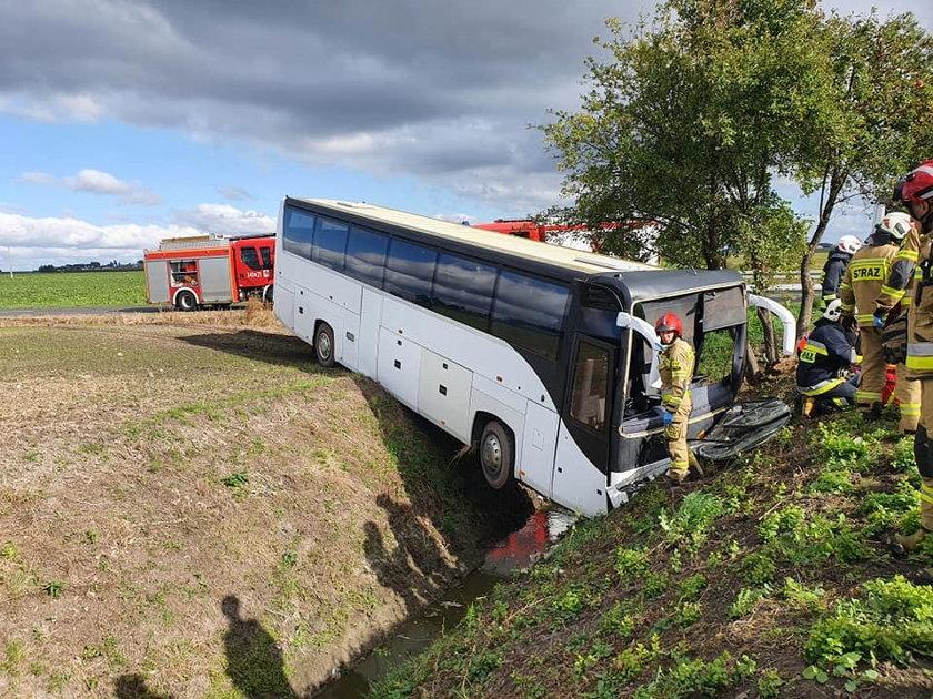 Kujawsko-pomorskie. Wypadek autobusu. 31 dzieci trafiło do szpitali