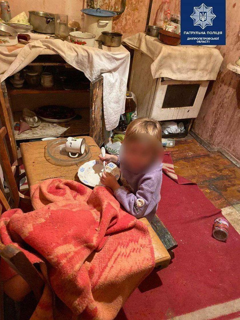 W tym domu żyły Ania i Diana. Z głodu jadły tapetę i styropian