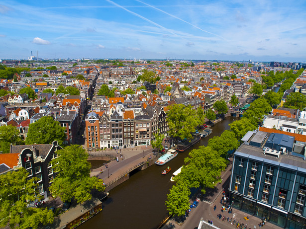 Wielu bezdomnych na ulicach Amsterdamu to Polacy