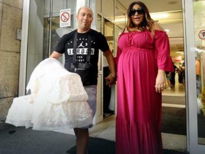 Fanovi kažu: ČIST PRIMITIVIZAM! Ana i Rasta kupili ćerkici BAHATO SKUP poklon i pohvalili se na Instagramu