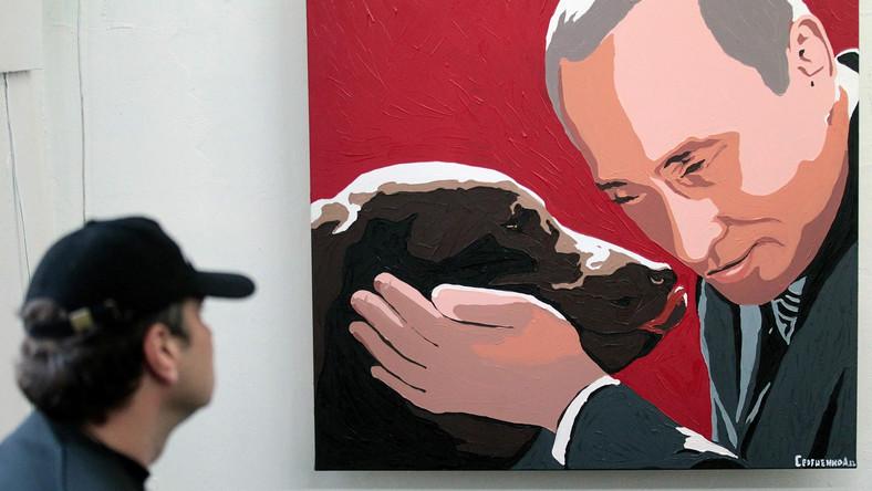 Wystawa to hołd złożony Putinowi w jego 60 urodziny
