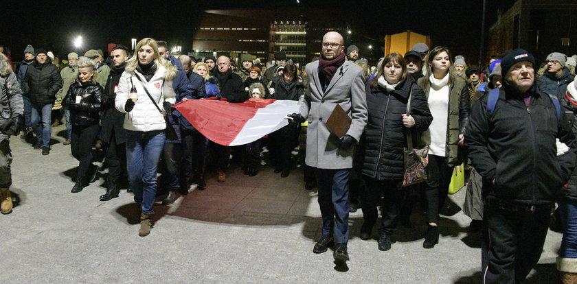 Wrocławianie oddali hołd Pawłowi Adamowiczowi