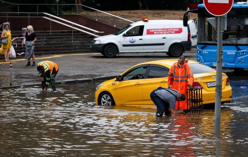 Ulewne deszcze w Moskwie. Nawałnica przeszła nad stolicą Rosji