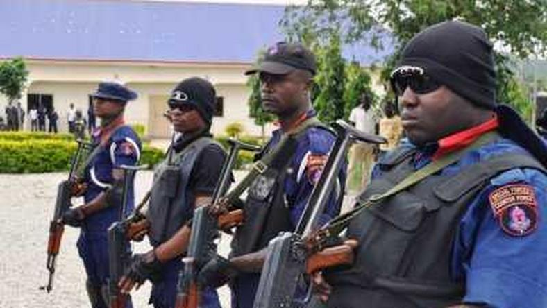 Armed NSCDC operatives.