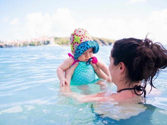 Beba od nekoliko meseci na moru: Maltretiranje ili korist? Evo šta kaže pedijatar