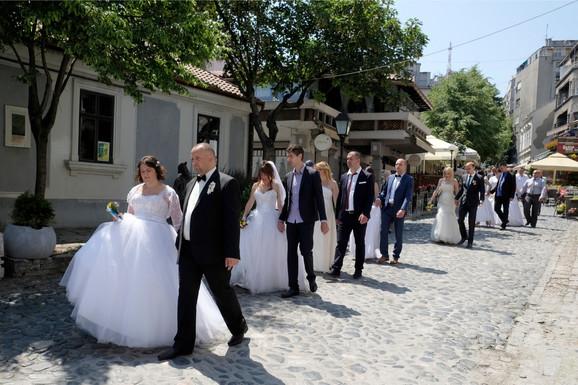 Ima i onih koji vole kolektivna venčanja