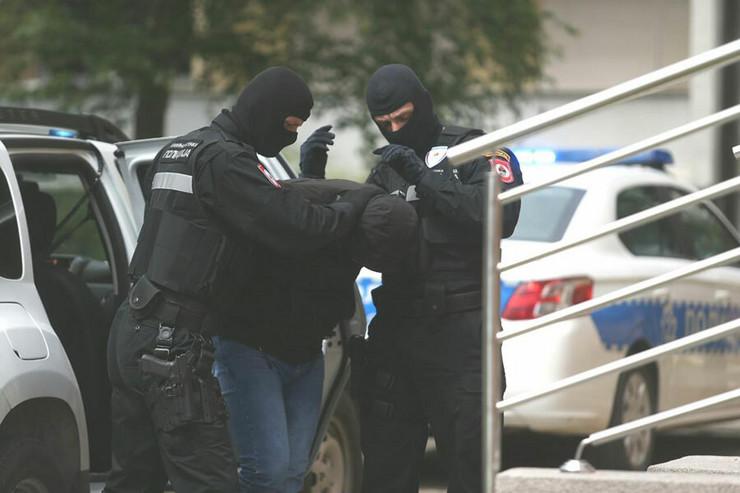 Privođenje policija RS