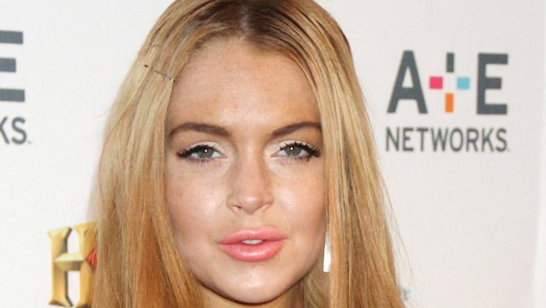 Jak to możliwe, że aktorka, nad wyglądem której pracuje sztab stylistów, pojawia się w tak niedoskonałym makijażu