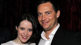 """Claire Foy, gwiazda serialu """"The Crown"""", rozwodzi się z mężem"""