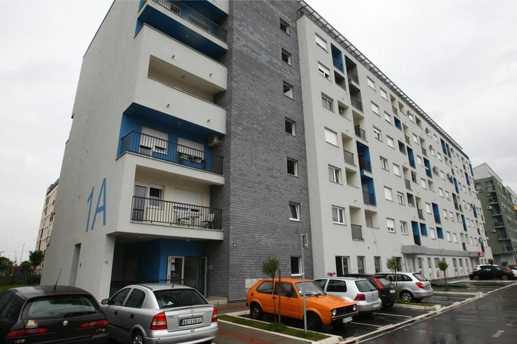 Smrdljive zgrade, naselje DR Ivan Ribar