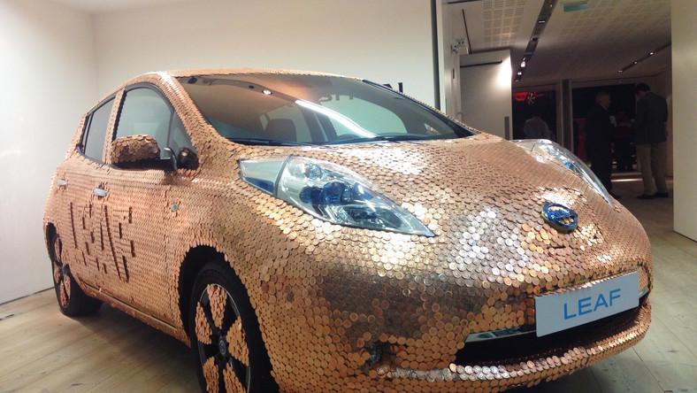 """Przedstawiciele Nissana uważają, że model leaf to najpopularniejszy samochód elektryczny na świecie. Na dowód wyciągają wyniki ankiety, z której wynika, że 95 proc. użytkowników tego auta poleca zakup tego """"japończyka"""" swoim znajomym..."""