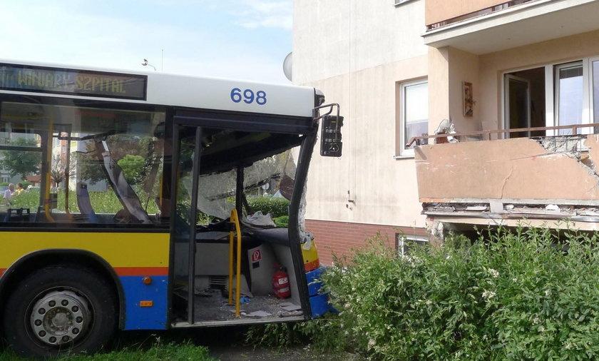 Wypadek autobusu w Płocku