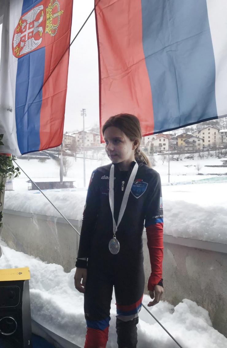 NIS03 Sofija Rodic osvojila drugo mesto u generlanom plasmanu u Tnerntu foto Privatna arhiva