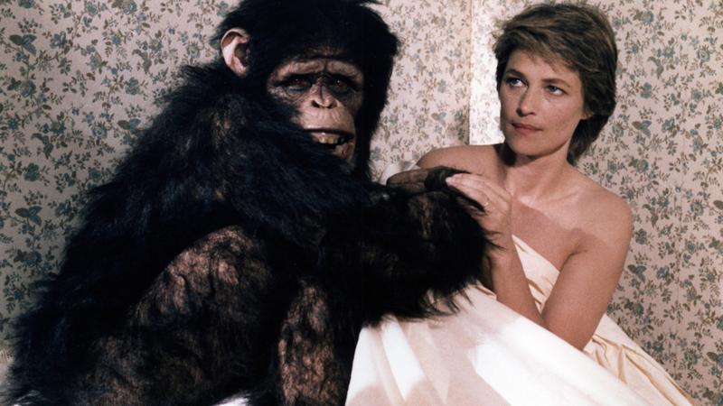 """3. Dama z szympansem w filmie """"Max, moja miłość"""""""