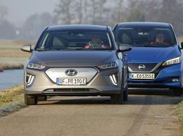 Hyundai Ioniq kontra Nissan Leaf - auta elektryczne dla ludu
