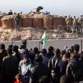 """""""KAO DA JE KRAJ SVETA"""" Najveći egzodus u sirijskom ratu: Skoro milion ljudi živi na ulicama, deca UMIRU OD HLADNOĆE"""