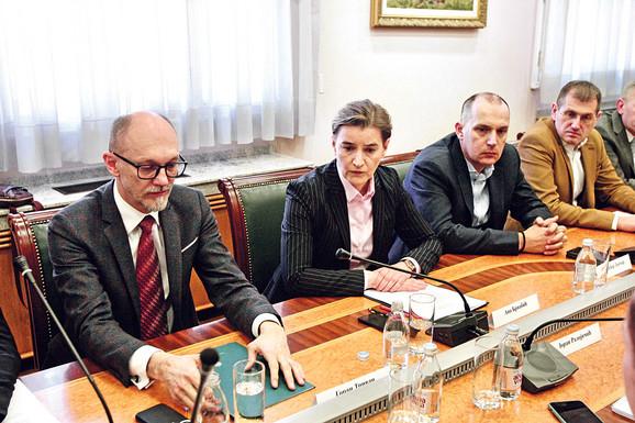 U Vladi Srbije održan je hitan sastanak povodom aerozagađenja