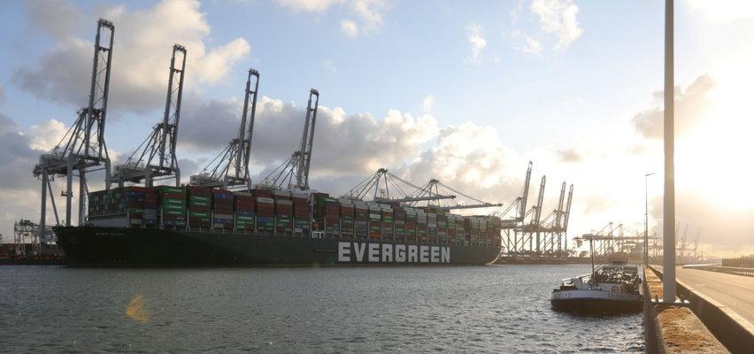 Kontenerowiec, który zablokował kanał Sueski dopłynął do celu. Przywiózł m.in. zabawki erotyczne