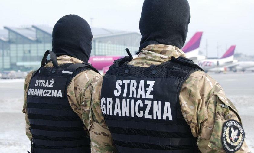Akcja na gdańskim lotnisku. Pijana 49-latka próbowała wtargnąć do samolotu