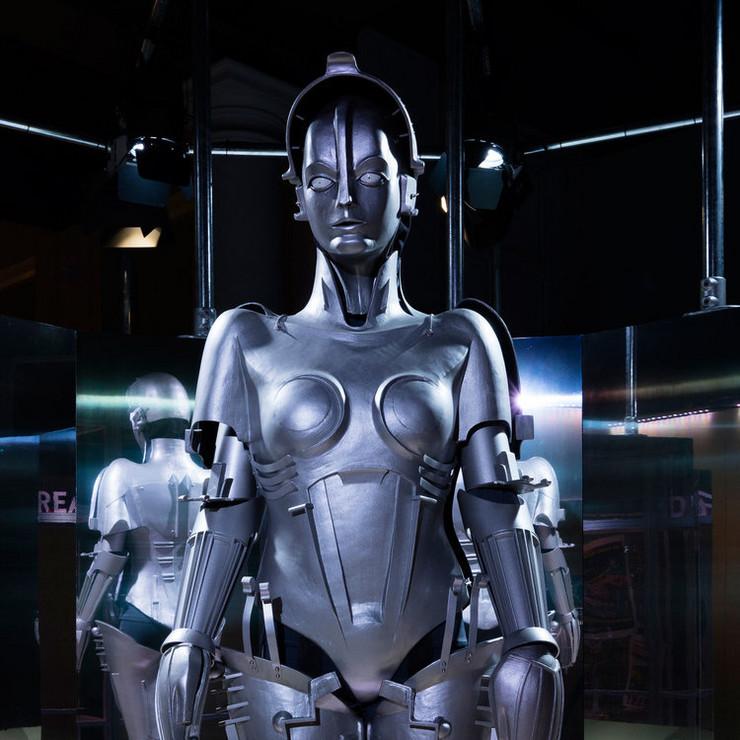 izlozba roboti6