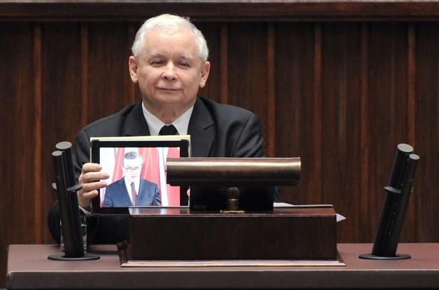 Przemówienie Piotra Glińskiego wyświetlono na tablecie podczas obrad sejmu