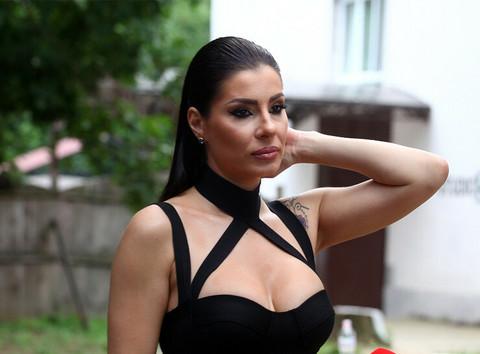 Mia Borisavljević otkrila dosad nepoznate detalje POROĐAJA: 'Donji deo tela mi je bio potpuno oduzet!'