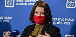 Czescy politycy obniżają sobie pensje. A nasi?!