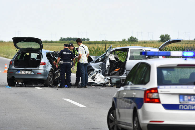 Novi Sad, saobraćajna nesreća kod Kaća, uviđaj